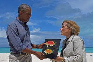 President Obama meeting Fish Obama. Image via National Geographic.